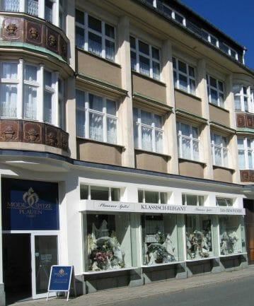 Plauener Spitze Geschichte - Eine Entdeckungsreise - Sitz der Modespitze Plauen, gleichzeitig befindet sich hier das angeschlossene Geschäft