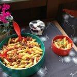 Was macht ein Nudelsalat auf einem Blog über Spitze?