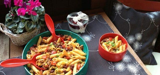 Modespitze-Plauen-Tischsets-Platzsets-gestickt-Nudelsalat-Pasta- Chili- Balkon- Kissen