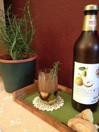 Das Rezept für den Birnenpunsch gibt es unter www.modespitze.de/blog