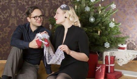 Frohe Weihnacht - Viel Freude unterm Tannenbaum