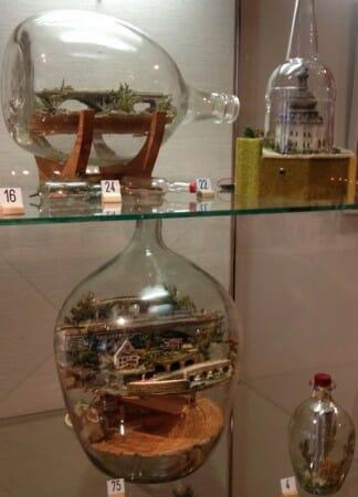 Die Weihnachtsausstellung im Vogtlandmuseum in Plauen - Geduldsflaschen