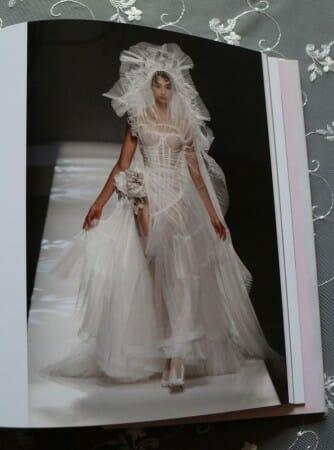 Tüll über einem Korsett - ein Brautkleid von Jean Paul Gaultier