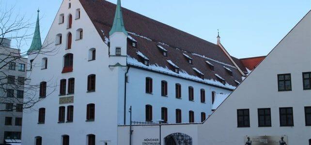 Gretchen mag's mondän - die Ausstellung über die Mode der 30er Jahre im Stadtmuseum München
