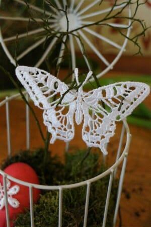 Ein Schmetterling im Vogelkäfig - unsere Osterdekoration