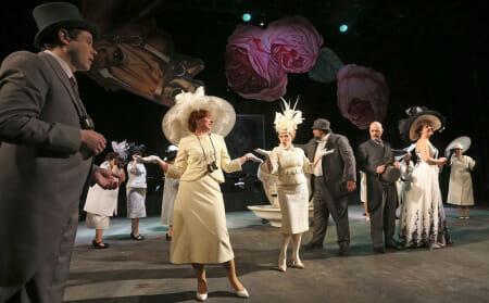 Eliza Dolittle im Kleid aus Plauener Spitze in der Aufführung des Nationaltheaters Weimar