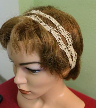 Ein Haarband aus Spitze