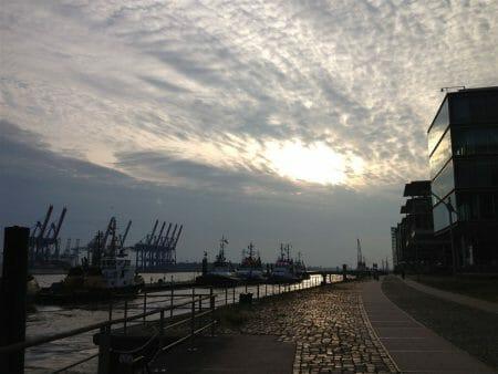 Immer an der Elbe entlang