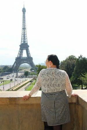 Outfit für die Stadt - Etuikleid mit Bolero aus Plauener Spitze