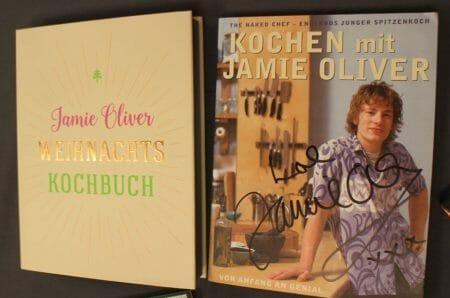Das neueste und das erste Buch von Jamie Oliver