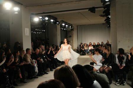 Ein Traum aus Spitze - die Kleider von Ewa Herzog - Rebecca Mir