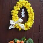 DIY für einen Osterkranz aus Küken und Spitzenborte