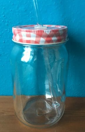 Aus einem Schraubglas eine Vase gemacht