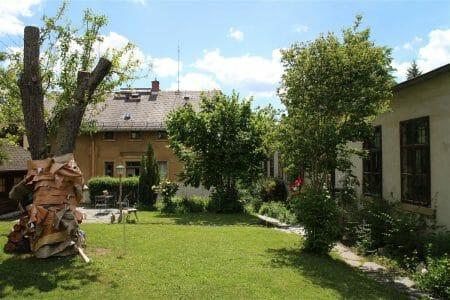 pittoresker Garten der Schaustickerei Plauen