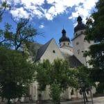Die Johanniskirche in Plauen auf dem Spitzenfestabzeichen 2017