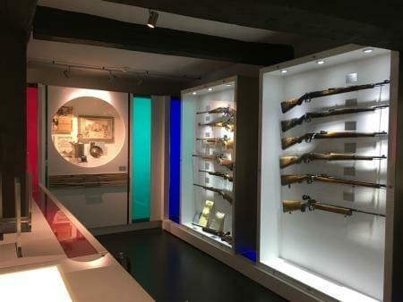 Sonderausstellung Waffen der Frauen im Waffenmuseum Suhl