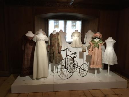 Dresses - 250 Jahre Mode - Die Ausstellung im Historischen und Völkerkundemuseum in St. Gallen