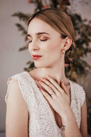 Organic Lace by Modespitze | Outfit by Yoora Studio Bratislava | Hochzeitsmode | Sustainable Wedding Dresses