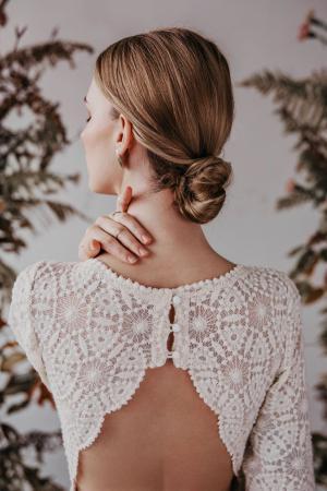 Organic Collection - bestickter Bio-Baumwolltüll in GOTS | Yoora Studio Bratislava - nachhaltige Brautmode