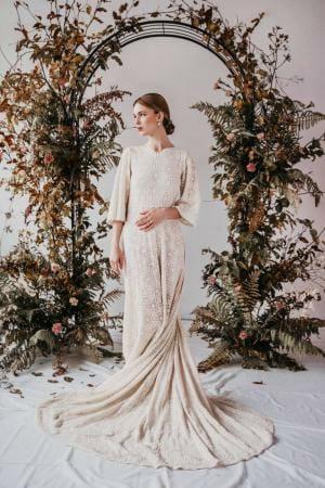 Yoora Studio Bratislava - Sustainable Wedding Dress with Organic Lace by Modespitze