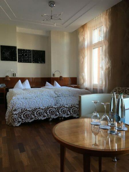Blick in das Textilzimmer im Hotel Einstein in St. Gallen
