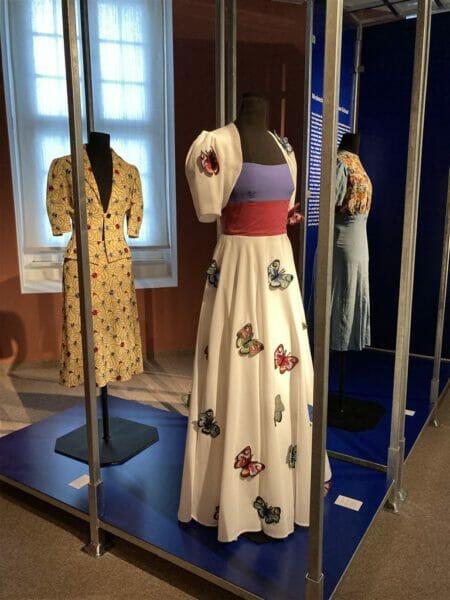 Modeschule Plauen - Entwürfe mit Plauener Spitze und Stickerei
