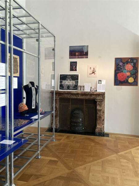 Ausstellung über Plauener Spitze - Nouveautes - im Kunstgewerbemuseum im Schloss Pillnitz